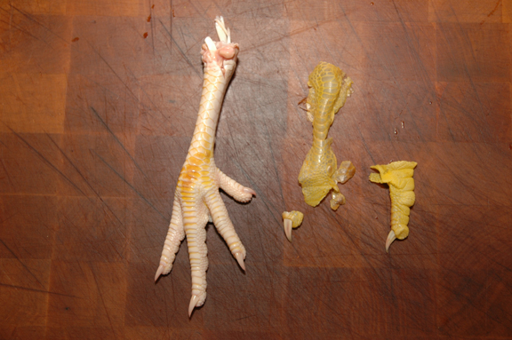 http://www.frugalsquirrels.com/gallery/john/chickens/plucking_and_eviscerating/feet04.jpg